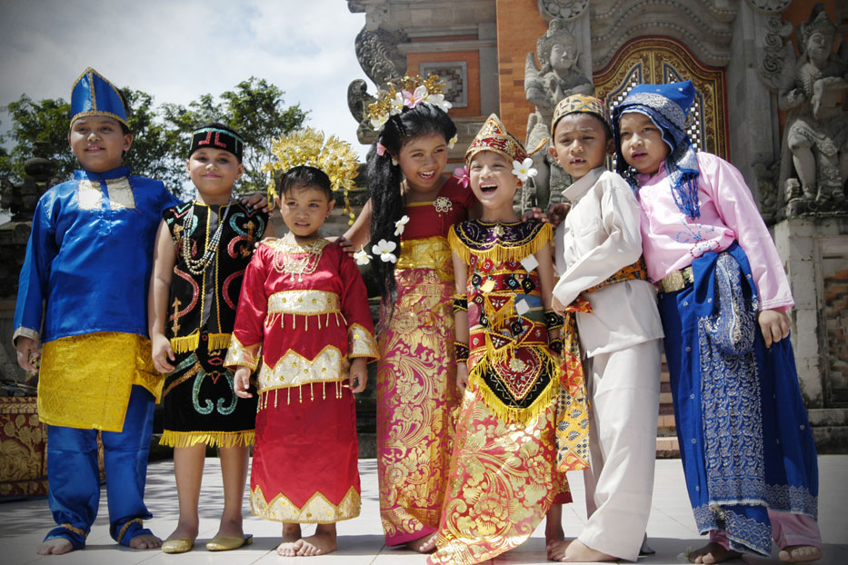 12 Faktor Penyebab Keberagaman Masyarakat Indonesia