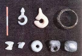12 Peninggalan Zaman Neolitikum Beserta Fungsi dan Penjelasan