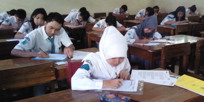 Contoh Soal Bahasa Indonesia SMA Kelas 12 dan Jawabannya Terlengkap
